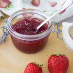 Erdbeer Marmelade mit Holunderblüte