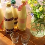 Osterboten: frischer Eierlikör von glücklichen Hühnern