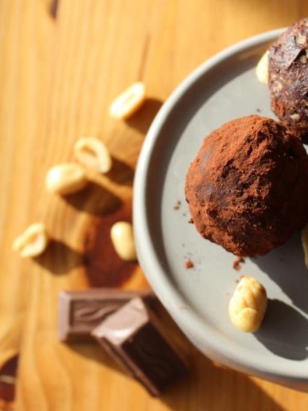 Happy Snacking: Erdnuss-Schoko-Kugeln