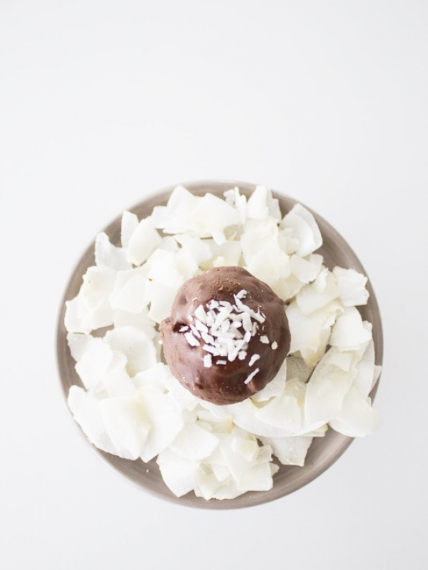 Happy Snacking: Köstliche Kokos-Kugeln