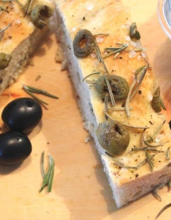 Schmeckt nach Urlaub: Oliven Foccacia