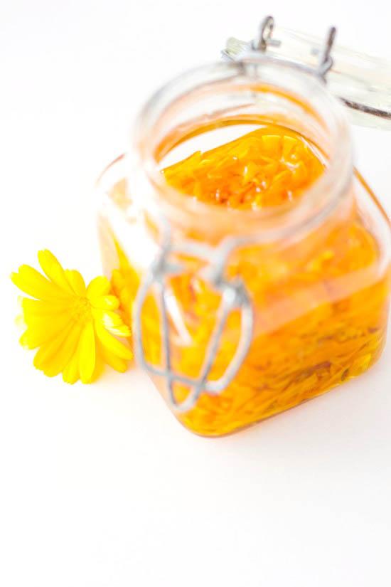 Selbstgemachte Calendula Salbe | Ringelblumen Salbe